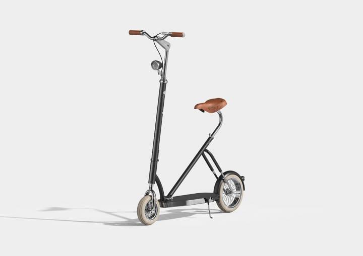クラシカルな自転車「Velocino」のデザインをアレンジした 年配の人でも楽しめる電動キックボードのプロト…