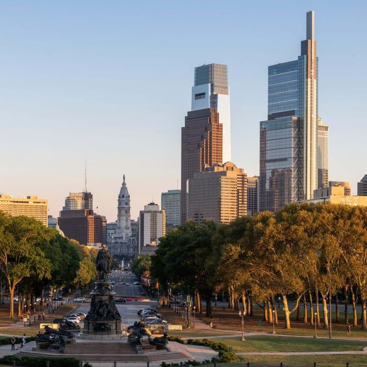 Foster + Partnersが設計したフィラデルフィアの高層建築 「Comcast Technology Center」が完成