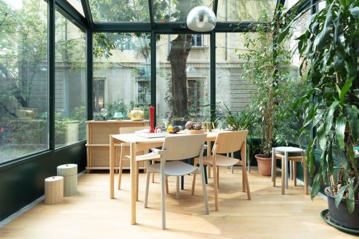 カリモクニュースタンダードがスイスデザインを紹介  エキシビション「Swiss Design / Made in Japan」に…
