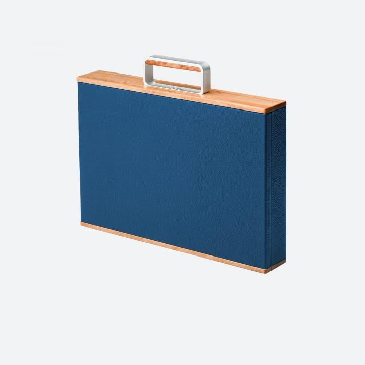 モントリオールのスーツケースブランド「Charles Simon」による アート作品のような上質な旅行カバン