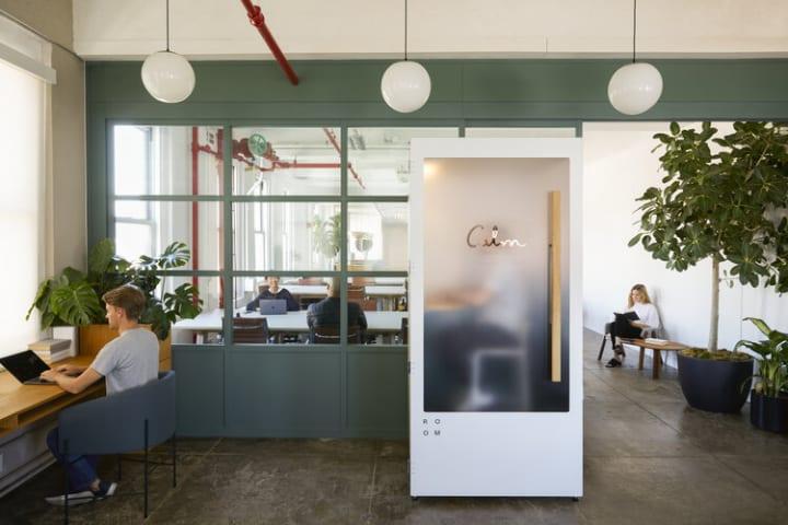 マインドフルネスアプリを提供するCalmによる提案 職場で瞑想できるスペース「Calm Booth」