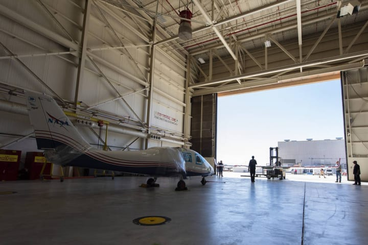 NASA初の完全電気式航空機「X-57 Maxwell」が公開 電気推進システムの検証試験を実施