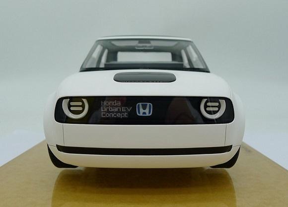 ホンダ「アーバンEVコンセプト」のミニカーが登場 1/18スケールで忠実に再現