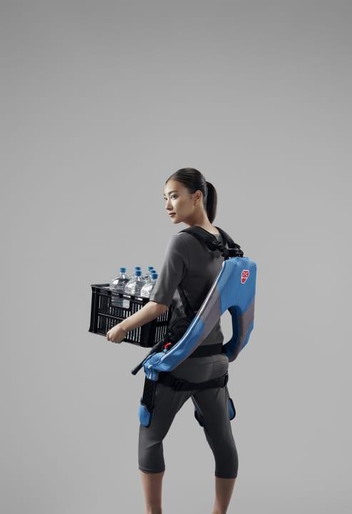 イノフィスから次世代モデル「マッスルスーツEvery」が登場 25.5kg重の最大補助力で動作をアシスト