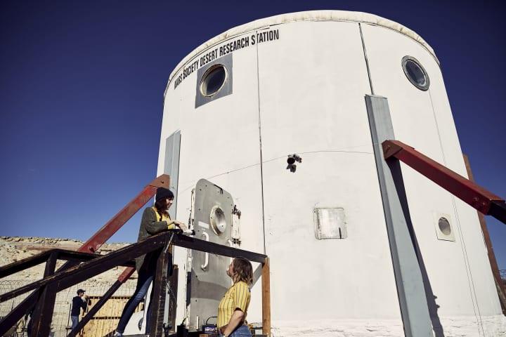 イケアが「火星砂漠研究基地」で製品テストを実施 極限的な居住空間で使用して製品改善を目指す