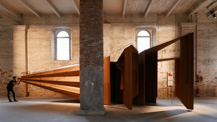 ヴェネツィアとオーストラリアを結ぶインスタレーション John Wardle Architectureによる「Somewhere Othe…