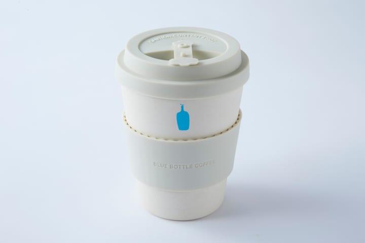 ブルーボトルコーヒーから環境に配慮したエコカップが登場 土の中で分解可能なバンブーファイバーを使用