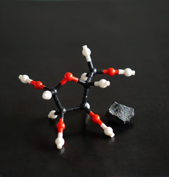 私たちの起源は隕石に含まれる「糖」!? 東北大学や北海道大学などの国際チームが新発見