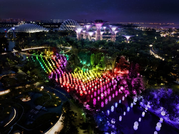 チームラボがシンガポールで展覧会を開催 人々の存在によって変化する「#futuretogether」
