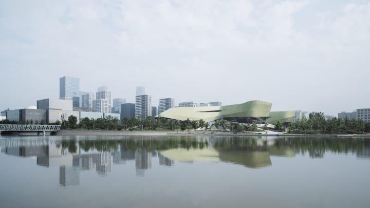 寧波市に完成したガラスファサードが特徴の施設 「Ningbo Urban Planning Exhibition Center」