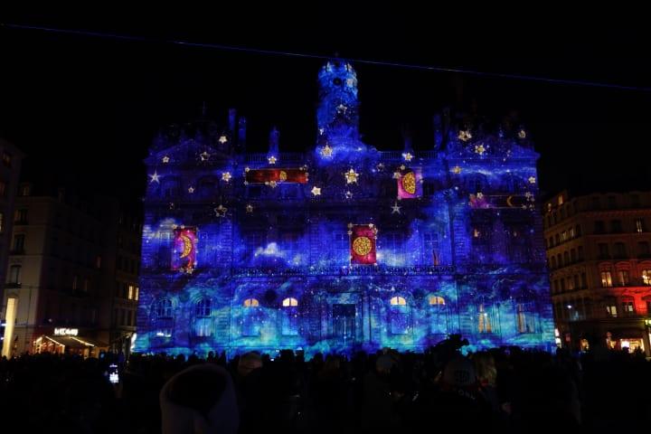 世界遺産の街が最先端の光のアートで灯される リヨン・光の祭典2019がスタート