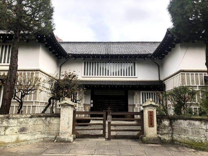 """日本民藝館で毎年12月に開催される""""館展""""が 民藝の世界で健康診断と呼ばれる理由"""