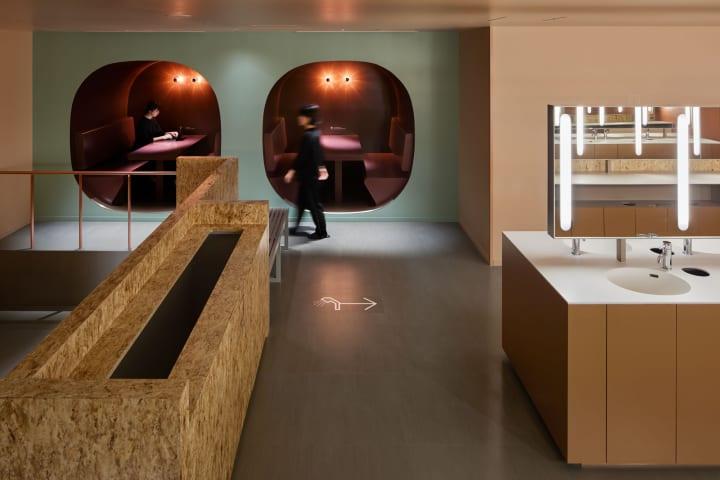 成瀬・猪熊建築設計事務所が設計を手がけた 革新的なカプセルホテル「9h nine hours なんば駅」