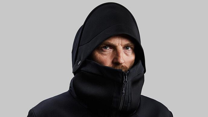 地球や宇宙のどこでも眠れるジャケット Vollebakから「Deep Sleep Cocoon」が登場