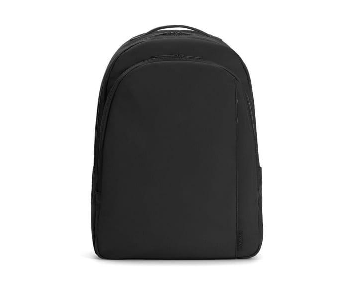 アメリカのバッグブランド「Away」が手がけた 旅行時でも便利なデイパック「The Backpack」