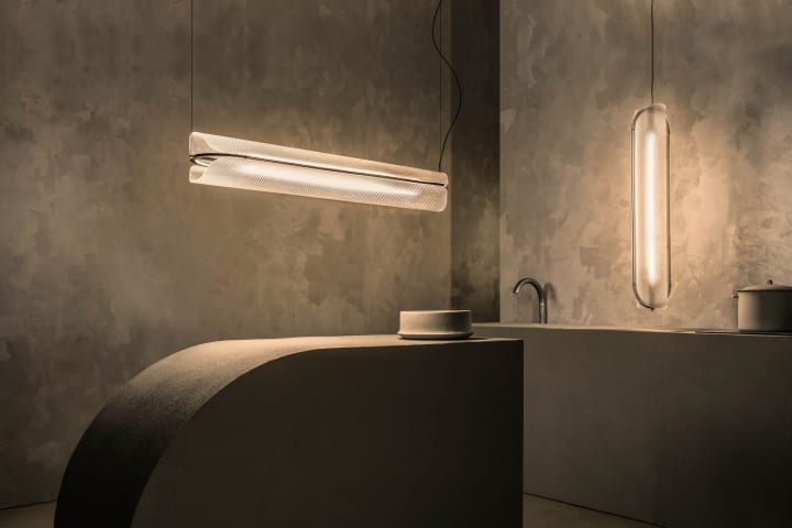 垂直にも水平にも並べて吊り下げられる 照明デザイナー Caine Heintzmanの「Vale」シリーズ