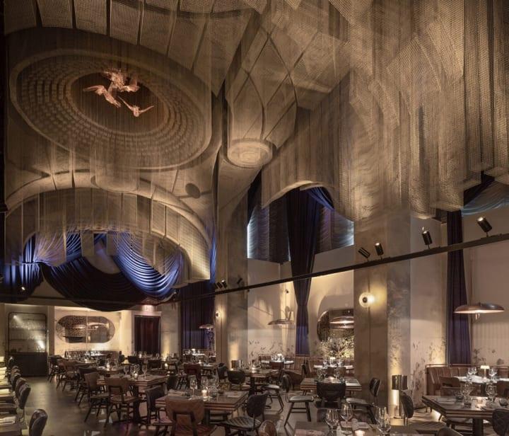 NYの伝説的コンサートホールにインスパイアされた Tresoldi Studioのインスタレーション「Fillmore」