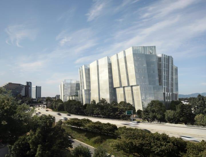 米ワーナー・ブラザースが新本社ビルを建設へ 往年のハリウッドの輝きを取り戻すフランク・ゲーリーの設計