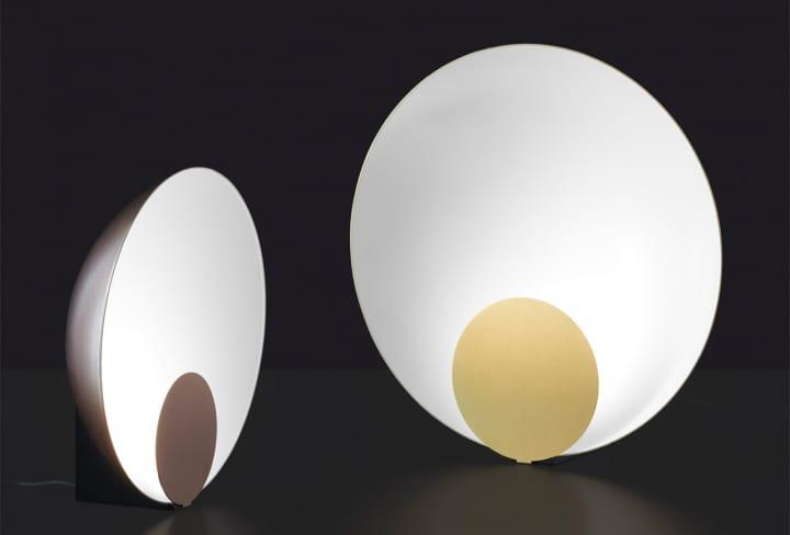 Marta Perlaがデザインを手がけた 照明ブランド Oluceのテーブルランプ「Siro」