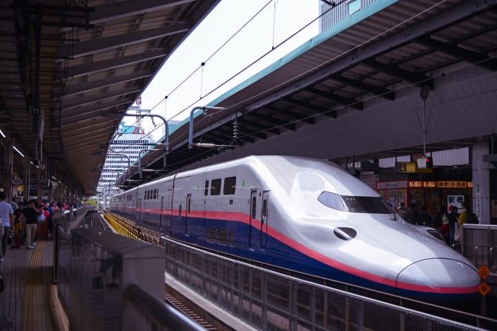 新潟の「獲れたて」海産物を新幹線で首都圏へ JR東日本スタートアップとフーディソンが品川駅で販売