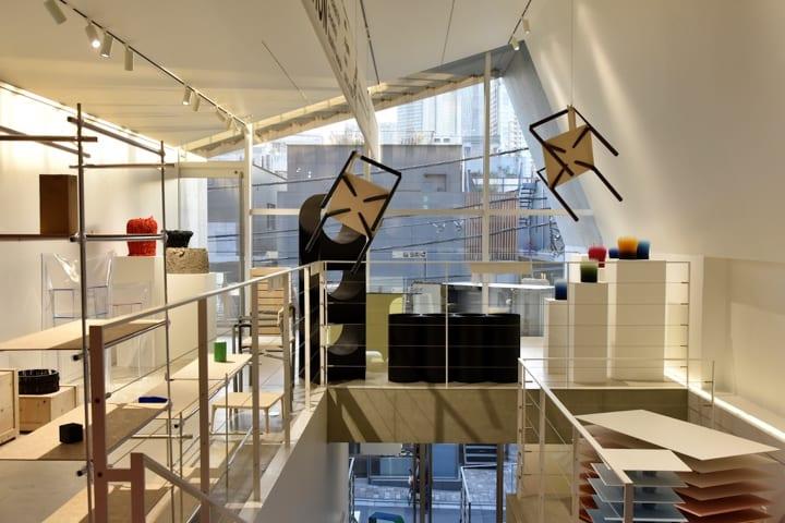 デザイナーの山中一宏が武蔵美の教授になって5年。各地で作品を発表する若手たちに注目