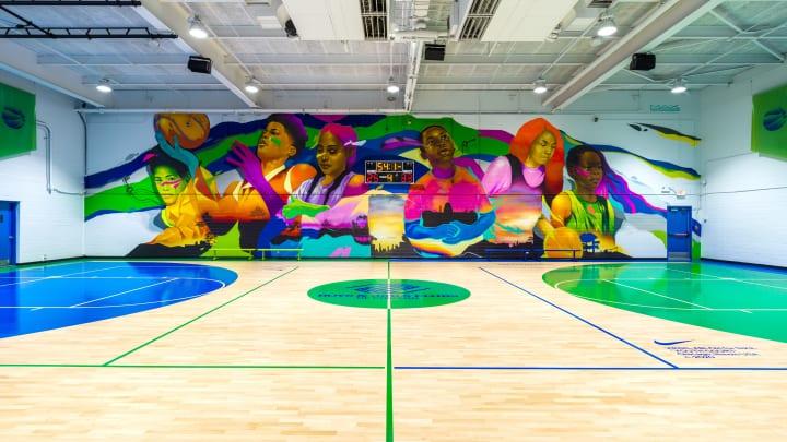 ナイキがヴァージル・アブローらとリノベーションした 子供たちのためのバスケットボール施設