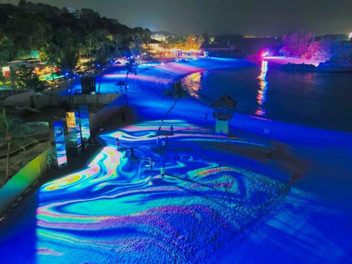 ワントゥーテンが「Magical Shores」を発表 シンガポールのビーチが巨大インタラクティブランドアートに