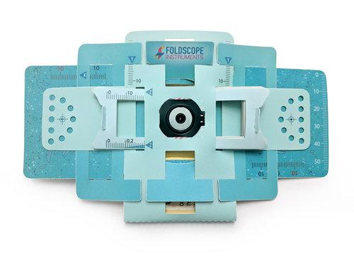 スタンフォード大学の科学者が手がける 低コストの折り紙式顕微鏡「Foldscope」