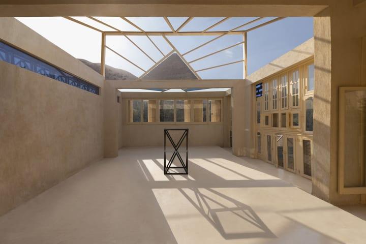 エジプトのピラミッドを間近に望むレジデンス Malka Architectureによる「Cheops Observatory」