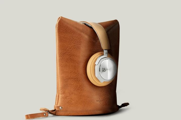 バング&オルフセン「BeoPlay H6」のために作られた レザー製ヘッドホンケース「Peak Headphone Case」