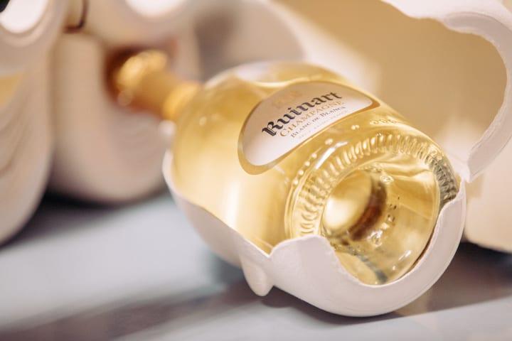 シャンパーニュメゾン「ルイナール」から 専用サステイナブルパッケージ「セカンドスキン」が発表