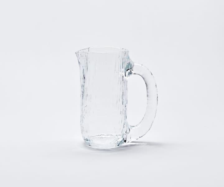 Nedre Fossから倉本仁デザインの ガラス製水差し「Vannfall」が登場