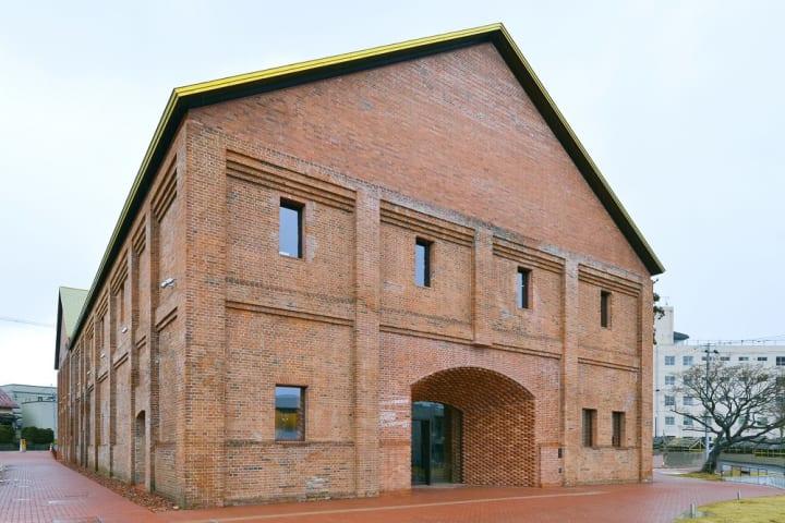 青森県弘前市の産業遺産 吉野町煉瓦倉庫が 建築家・田根剛の設計で「弘前れんが倉庫美術館」としてオープン