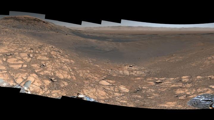 NASAの火星ローバー「キュリオシティ」がとらえた 火星表面の超高解像度パノラマ画像が公開