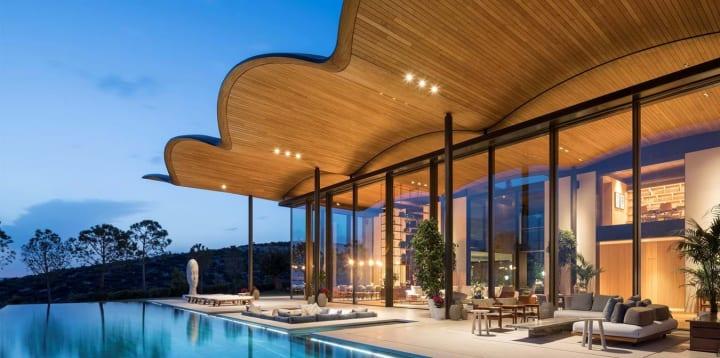 Foster + Partnersが設計を手がけた「Dolunay villa」 エーゲ海に面したトルコのプライベートヴィラ