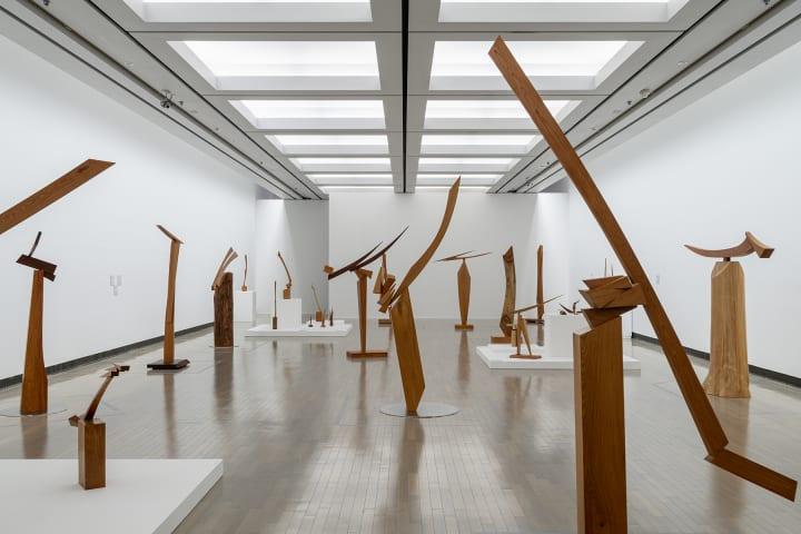横浜美術館「澄川喜一 そりとむくり」展の特設サイトで 作品の魅力や楽しい特別企画などを続々公開