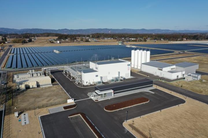 再生可能エネルギーを利用した世界最大級の水素製造施設 福島県浪江町に完成した「FH2R」