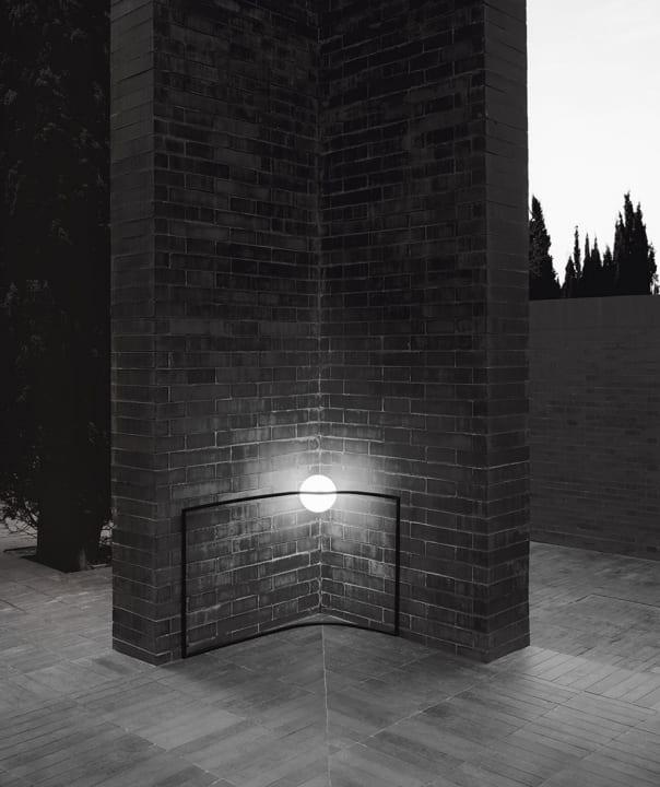 FLOSからnendoがデザインを手がけた 新しい照明シリーズ「Heco」が登場