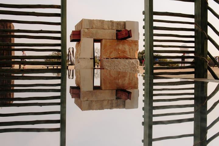 ユダヤ教の「仮庵の祭り」の伝統的な建築を再解釈 インスタレーション「Succah by the Sea」