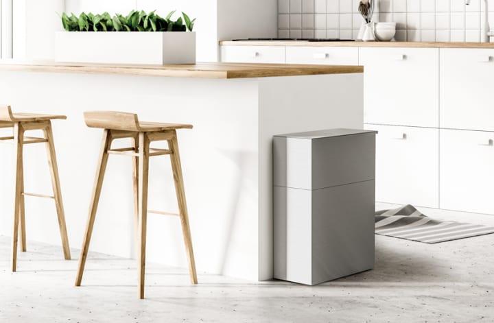 パーツが外から一切見えない ステンレス製キッチン用ダストボックス「RECHTECK」登場