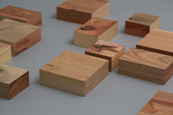 手づくりゆえの違い、木の節やひび割れ。デザイナー横田純一郎が問う美しさ