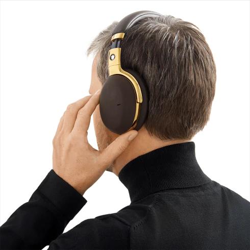 万年筆メーカーMontblancがデザインしたワイヤレスヘッドフォン 「Montblanc MB 01 Smart Travel Over-Ear…