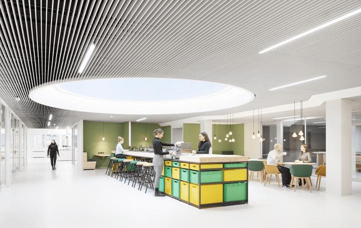 ベルリンにコミュニケーション専門家向け オフィス「DSGV Newsroom」が開発