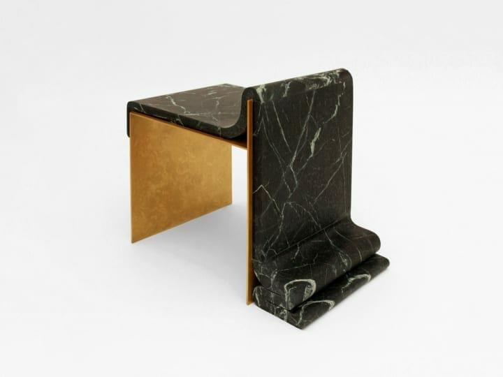 大理石が溶けてしまったようなデザインが特徴の チェア「Marble Melt Chair Limited Edition」