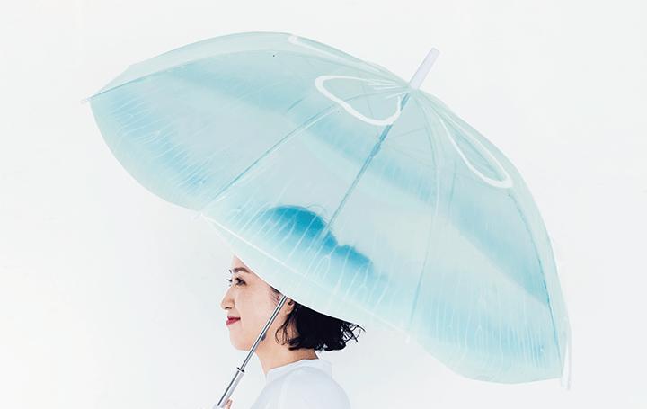世界一クラゲの展示種類を飼育する加茂水族館が監修 「雨空を泳ぐクラゲの傘」が登場