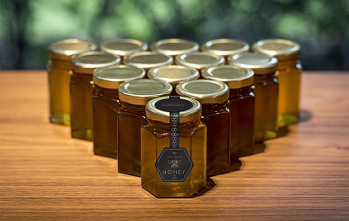 ロールス・ロイスが養蜂場を経営!? ミツバチを繁殖させて地元農家を支援