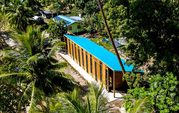 南太平洋の島国フィジーのココナッツオイル製造施設 環境に配慮した完全自立型の構造