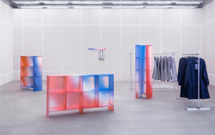 中国のデザインオフィス Studio BUZAOが手がける 光の輪を表現するディスプレイ用家具コレクション「HALO」