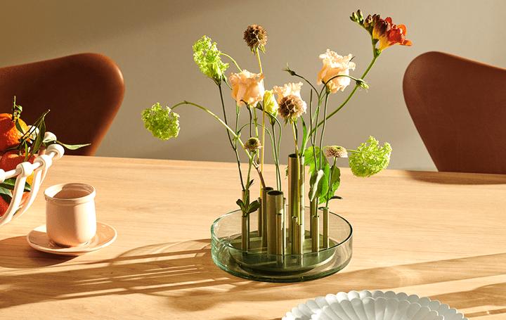 「生け花」にヒントを得たフラワーベース フリッツ・ハンセンに「Ikeru」が登場