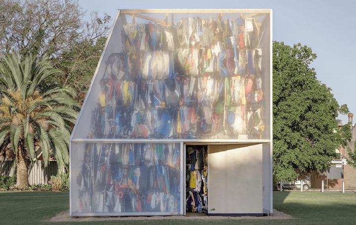 オーストラリアの廃棄物の課題解決策として 建築家 Raffaello Rosselliがインスタレーション「Plastic Pal…